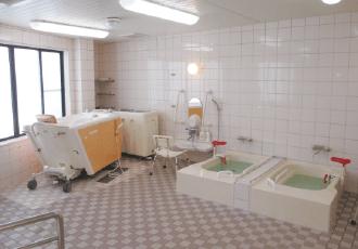 入浴プランのある方に対応。大風呂、個浴、機械浴の設備があり、体調に合わせ、ゆったり入浴で気分もリフレッシュ。